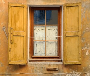 window-1026150_640
